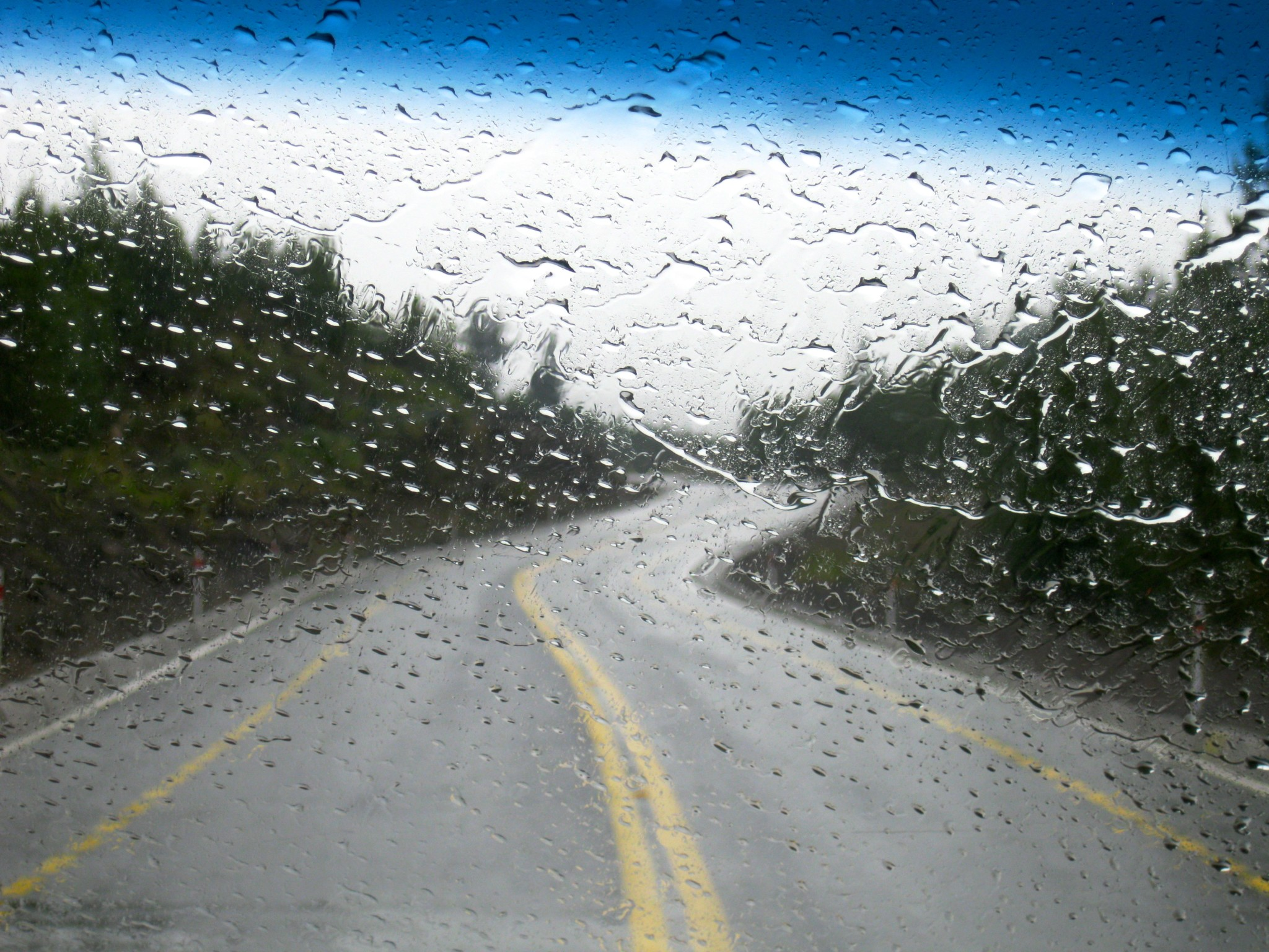 можете найти дождь на дороге картинка для большого стола